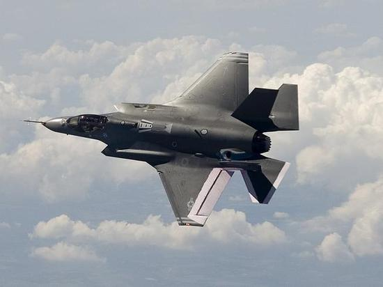 Air_f35a_aa1_flight_top_lg