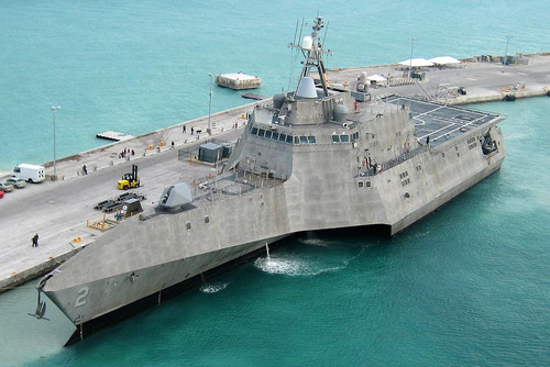Uss_independence_lcs2_at_pierce_cro